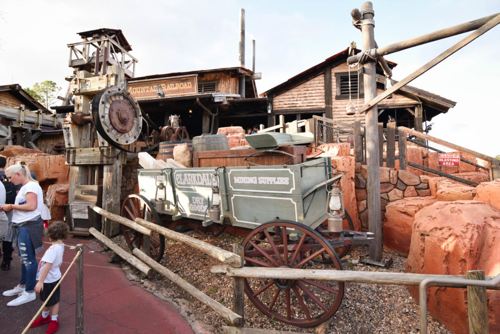 Big Thunder Mountain Railroad - Best Rides in Magic Kingdom - Dream Plan Fly